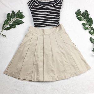 White House Black market cream skirt w. pockets 2